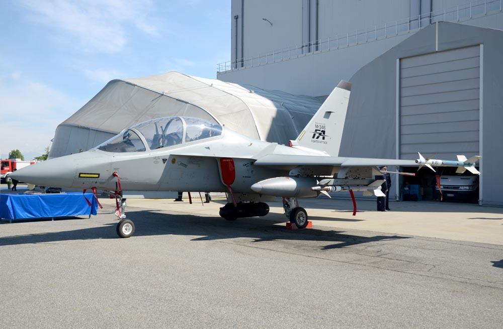 Il prototipo dello M-346FA