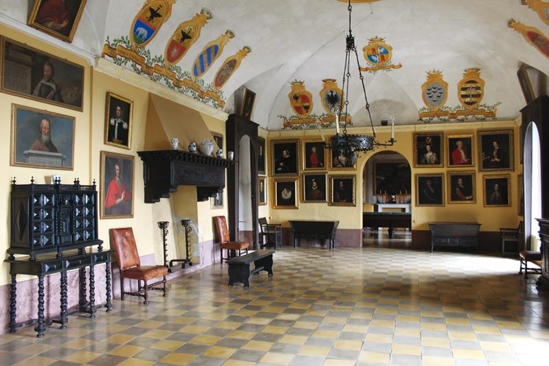 castello_monticello_alba
